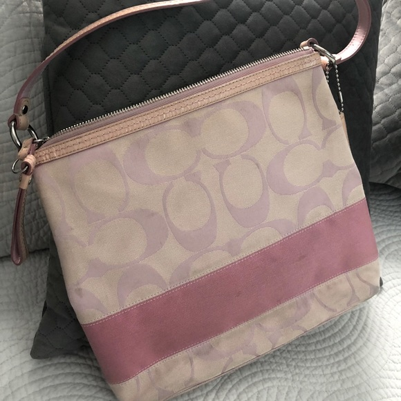 Coach Purse 👛 pink and white